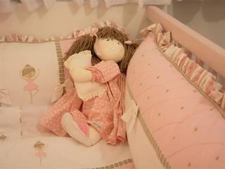 Dormitório Infantil:   por Cintia Sauner Arquitetura e interiores,Clássico