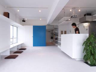 Salon de style  par 株式会社ブルースタジオ, Moderne
