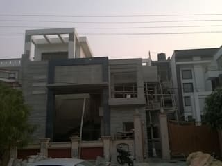 Faridabad Residence Asian style houses by The Brick Studio Asian