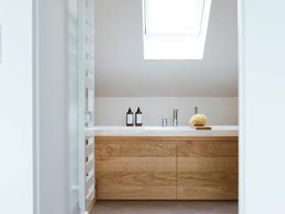 Baños modernos de Eva Lorey Innenarchitektur Moderno