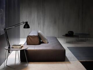 Modern living room by Livarea Modern