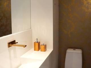 Modern Bathroom by Ju Nejaim Arquitetura Modern