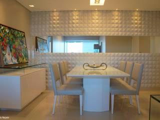 Revestimentos 3D Salas de jantar modernas por Ju Nejaim Arquitetura Moderno