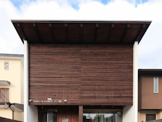 IKEUCHI ANIMAL CLINIC: 髙岡建築研究室が手掛けた家です。,和風