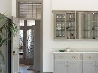 The Queens Park Kitchen by deVOL deVOL Kitchens Classic style kitchen Wood Grey