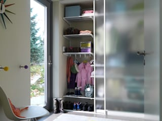 Ruang Ganti by Bauer Schranksysteme GmbH