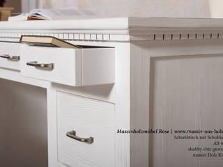 Schreibtisch mit Schubladen in Alt weiß von Massiv aus Holz Skandinavisch Holz Holznachbildung