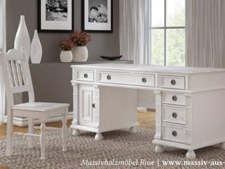 Schreibtisch im Landhausstil:  Arbeitszimmer von Massiv aus Holz