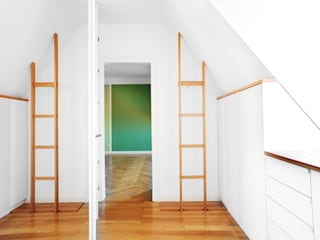 Pasillos y vestíbulos de estilo  por MW Immobilienfotografie, Moderno