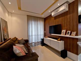 Salas de estilo  por Mendonça Pinheiro Interiores