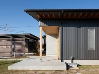 Casas eclécticas de 荒井好一郎建築設計室 Ecléctico
