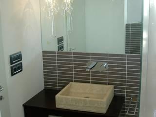 Baños modernos de ASCARI I FALEGNAMI Moderno