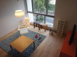 Scandinavian style living room by エコリコデザイン一級建築士事務所 Scandinavian
