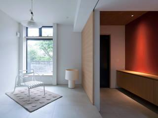Modern media room by エコリコデザイン一級建築士事務所 Modern