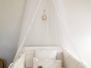 LA STUDIO I ARQUITETURA E INTERIORES Nursery/kid's roomBeds & cribs Paper Beige