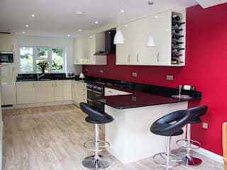 Customer M Modern Kitchen by Kitchen Living Modern