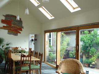 Refurbishment & extension Inverness: modern Living room by Matheson Mackenzie Ross Architects