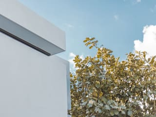 Minimalist house by 2M Arquitectura Minimalist
