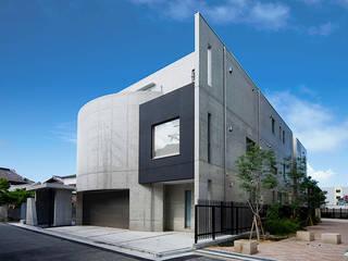 曲線と直線が交差する外観: JPホーム株式会社が手掛けた家です。