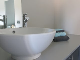 Mr and Mrs Brewer's Bathroom:  Commercial Spaces by Bathrooms By Premier