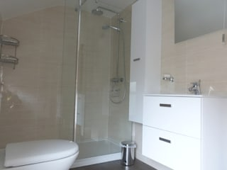 Mr and Mrs Hodgson's Bathroom:  Commercial Spaces by Bathrooms By Premier