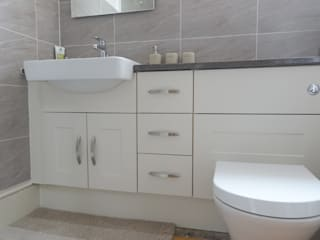 Mr and Mrs Taylor's Bathroom:  Commercial Spaces by Bathrooms By Premier