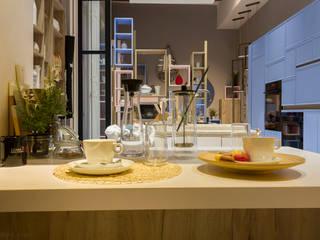 Cocinas de estilo moderno de Kalaspy Moderno