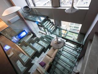 Хандсвел Corridor, hallway & stairs Stairs Glass Grey