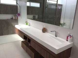 Baño Baños modernos de homify Moderno