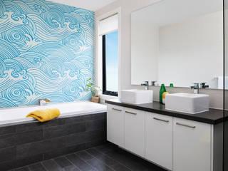 Waves:  Bathroom by Pixers