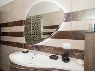 Classic style bathrooms by DBIOSTUDIO Classic