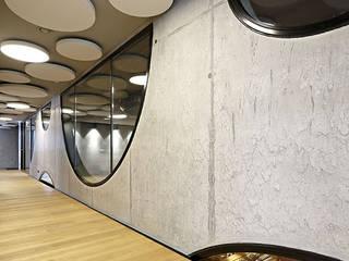 Adega Secli WeinWelt - Suiça Adegas modernas por BauStahl, Lda Moderno