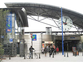 SNCF Asnieres - França Janelas e portas modernas por BauStahl, Lda Moderno