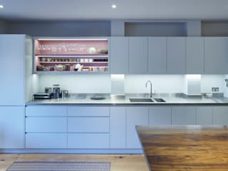 Belsize Park:  Kitchen by Finch London Ltd