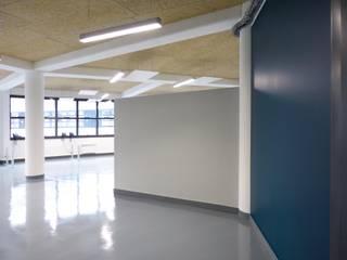 Bureaux Bouvier Espaces de bureaux minimalistes par Pierre Georges Architecte Minimaliste