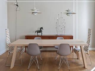 Salas modernas de Fabio Azzolina Architetto Moderno