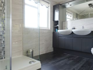 Grey Gloss Bathroom :  Commercial Spaces by Bathrooms By Premier