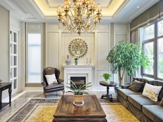 Living Rooms de Gracious Luxury Interiors Clásico