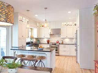 ห้องครัว by Gracious Luxury Interiors