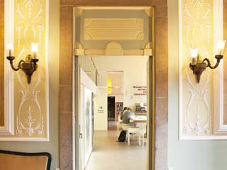 Entrada: Locais de eventos  por Atelier 405 \ 405 architects