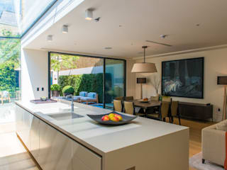 Bedford Gardens Modern windows & doors by IQ Glass UK Modern