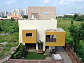 Bridge House: modern  by DeFACTO Architects,Modern