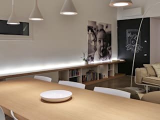 Dining room by ALDENA, Modern