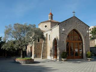 Restauración y Mantenimiento de Capilla San José en Barcelona.: Museos de estilo  de Ausbar