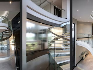 Modern Corridor, Hallway and Staircase by FRANCOIS MARAIS ARCHITECTS Modern