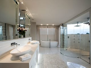 FRANCOIS MARAIS ARCHITECTS Modern bathroom