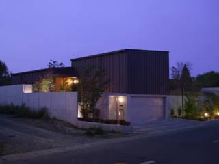玄の家: Atelier Squareが手掛けた家です。,モダン