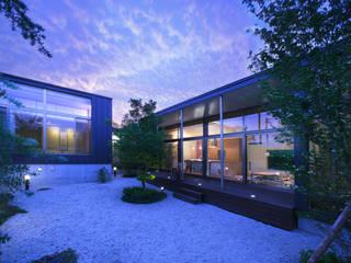 玄の家 モダンな 家 の Atelier Square モダン