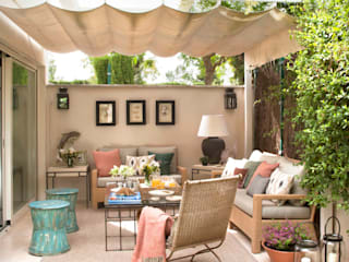 PORCHE: Jardines de estilo  de P.T DECORACION