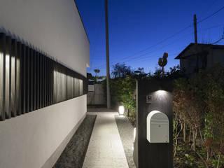 土間の広がる家 モダンな 家 の 根來宏典建築研究所 モダン